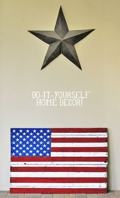 Diy rustic distressed american flag painting from (diy home decor) wood pallet via liblueboo American Flag Painting, American Flag Pallet, American Flag Art, Pallet Flag, Wood Flag, Pallet Art, Pallet Ideas, Pallet Boards, Diy Pallet