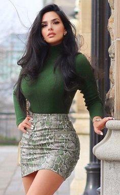 Beautiful Girl Image, Gorgeous Women, Elegantes Outfit Frau, Fit Women, Sexy Women, Girls With Black Hair, Full Figured Women, Jolie Photo, Curvy Women Fashion