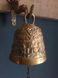 Antieke Bronzen Bel.Oude Koperen Brons Bel Met De Namen Van 4 Apostelen Matheus