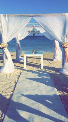 Picture perfect beach ceremony at Dreams Riviera Cancun