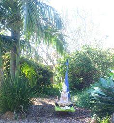 Earthing. <3  www.earthschoolharmony.com  #gardening #earthing #earthschoolharmony #nelipot #namaste #byronbay #meditation #yoga #Reiki #mindfulness