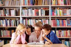 Interactief voorlezen onder de loep. Gelukkig eens een heel andere mening! HELEMAAL MEE EENS! Laat je kinderen liever ademloos luisteren naar een prentenboek met een passend niveau. Stel niet de kinderen, maar jezelf zo nu en dan eens hardop een vraag tijdens het voorlezen en geef vervolgens zelf antwoord. Zo model je hoe een geoefend lezer nadenkt tijdens het lezen. Daar leren kinderen van! Hoe kunnen kinderen de verhaallijn volgen als ze afgeleid worden door voortdurende onderbrekingen!