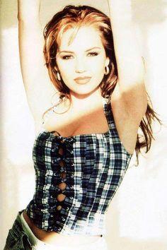 Thalía 1991 BR