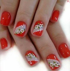 What Christmas manicure to choose for a festive mood - My Nails Red Nail Designs, Flower Nail Designs, Diy Nails Stickers, American Nails, Valentine Nail Art, Christmas Manicure, Manicure E Pedicure, Halloween Nail Art, Nail Decorations