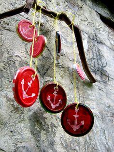 Ein Windspiel kann man herrlich simpel selbermachen… aus Schraubglasdeckeln zum Beispiel… http://diegutendinge.blogspot.de/2015/05/windspiel-diy.html