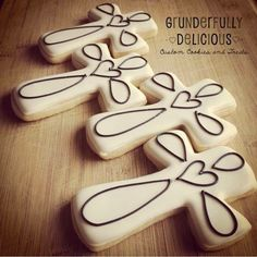 cross decorated cookies. easter decorated cookies #grunderfullydelicious