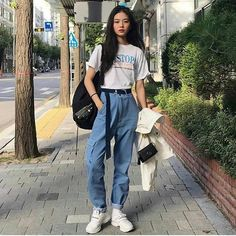 Korean Street Fashion - Life Is Fun Silo Korean Girl Fashion, Korean Fashion Trends, Asian Fashion, Look Fashion, Korea Fashion, Korean Street Fashion Summer, Ulzzang Fashion Summer, Korean Fashion School, Korean Fashion Casual