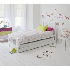 Noa and Nani Single Millie Bed in White with Trundle Extra Sleepover Bed 2 in 1