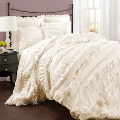 4-Piece Belle Comforter Set in Ivory