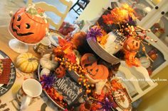 Good Morning !  The tiered tray on my kitchen table has been redone for Halloween . I got this tray at Sam's club this spring and have l...