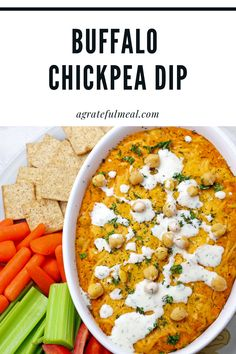 This Buffalo Chickpea Dip is the perfect vegetarian cross between hummus and a creamy buffalo chicken dip. It's a total crowd-pleaser, and meat-lovers won't even realize that it's a vegetarian buffalo dip. #vegetarian Best Lunch Recipes, Tapas Recipes, Healthy Soup Recipes, Healthy Snacks, Dinner Recipes, Vegetarian Appetizers, Vegetarian Lunch, Yummy Appetizers, Appetizer Recipes
