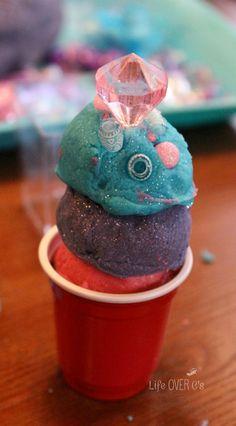 """Anna Play Dough for """"Frozen"""" Fans"""