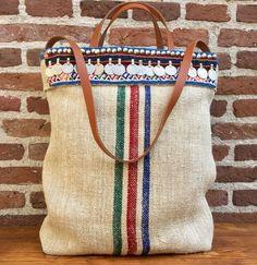 Graanzak tote bag met tribal details by KussenvanPaula on Etsy Belly Dance Belt, Vintage Ornaments, Lining Fabric, Vintage Metal, Handmade Bags, Silver Color, Blue Stripes, Straw Bag, Red And Blue