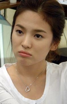 Pout-y. Song Hye-kyo (Korean: 송혜교, b. a South Korean model and actress. Korean Star, Korean Girl, Korean Actresses, Korean Actors, Korean Dramas, Korean Beauty, Asian Beauty, Natural Beauty, Asian Woman