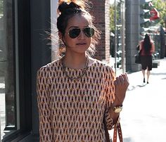 Amazing ethnic-printed top makes gold accessories pop #planetbluefall