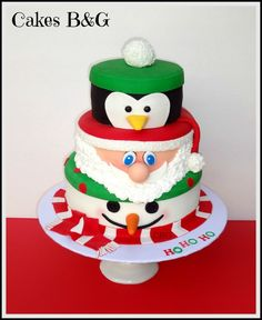 The only inspiration you need to make your best Christmas cake. Browse our gallery of 50 brilliant Christmas cake ideas. Christmas Goodies, Christmas Desserts, Christmas Baking, Christmas Treats, Christmas Cakes, Christmas Flowers, Christmas Recipes, Christmas Cake Designs, Christmas Cake Decorations