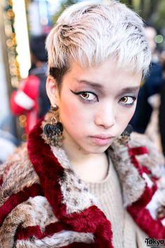 Harajuku model and Dog staffer Hirari Ikeda wearing an oversized fur coat, Vive Vagina & Tokyo Bopper. Japanese Street Fashion, Tokyo Fashion, Neko, Harajuku Girls, Kawaii, Oversized Coat, Dark Fashion, Asian Beauty, Hair Inspiration
