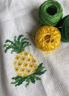 53 new ideas for embroidery stitches simple punto croce Cactus Cross Stitch, Mini Cross Stitch, Simple Cross Stitch, Cross Stitch Rose, Cross Stitch Flowers, Embroidery Hoop Crafts, Embroidery Stitches Tutorial, Embroidery Monogram, Hand Embroidery Designs