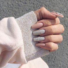 Imagem de nails, pink, and glitter