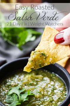 Easy, 21 Day Fix homemade roasted salsa verde. Perfect with chips, on tacos, enchiladas or in a 7 layer dip! #21dayfix #healthy #healthysnack #snack #ww #weightwatchers #mealprep #mexican Popular Appetizers, Healthy Appetizers, Appetizer Recipes, Healthy Snacks, Healthy Recipes, Dinner Recipes, Mexican Food Recipes, Whole Food Recipes, Ethnic Recipes