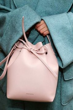Trendy Women's Purses : The bag shape on everyone's Spring shopping list? A bucket bag! ShopStyle editors suggest picking up a bucket bag in a classic blush pink like this one by Mansur Gavriel. Stylish Handbags, Luxury Handbags, Pink Handbags, Ladies Handbags, Ladies Purse, Prada Handbags, Luxury Bags, My Bags, Purses And Bags