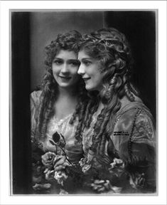 Mary Pickford and mirror image - portrait photographs - Wikimedia Commons