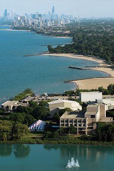 Weinberg College, on Northwestern University's Evanston Campus, is in easy reach of downtown Chicago.