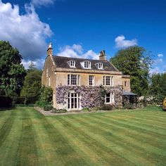 #propertyoftheday is this old rectory in Somerset, a perfect fixer upper @knightfrank