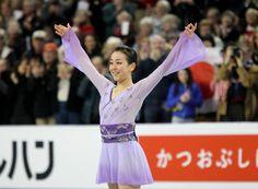 フリー演技を終え笑顔の浅田真央 (800×588) http://www.nikkansports.com/sports/figure/asada-mao/photo/article/1626201.html