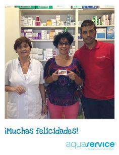 ¡Enhorabuena! La Farmacia Martínez Quintanilla recibió su tarjeta Decathlon de la mano de su repartidor José Alberto. ¡Felicidades! http://www.aquaservice.com/agua-mineral-mini