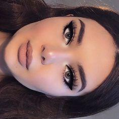 Eye make-up makeup 101 makeup for beginners makeup hand makeup after 60 Makeup Techniques Beginners Eye Hand Makeup Makeup Techniques for hooded eyes Retro Makeup, Vintage Makeup, Cute Makeup, Gorgeous Makeup, 1970s Makeup, Rockabilly Makeup, Pin Up Makeup, Glam Makeup Look, Awesome Makeup