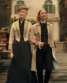 Alice through the Looking Glass: Alice and her mother