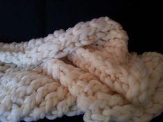 Mantinha de trico com fio merino no tear rústico