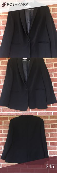 🌲CALVIN KLEIN🌲Blazer size 18w Gorgeous Blazer by Calvin Klein,  black, fully lined,   buttons down the front, excellent condition, size 18w #1512 perfect for the holidays ❄️🌲⛄️🎁🥂 Calvin Klein Jackets & Coats Blazers