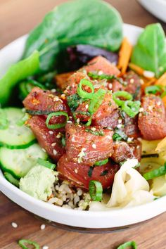 Ahi Tuna Poke Bowl - This Japanese recipe is loaded with healthy brown rice, salad, vegetables and topped with marinated tuna poke. Fish Recipes, Seafood Recipes, Asian Recipes, New Recipes, Cooking Recipes, Healthy Recipes, Favorite Recipes, Poke Bowl, Edamame