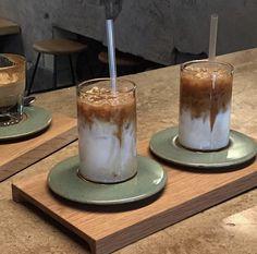 Hot Coffee, Iced Coffee, Coffee Drinks, Coffee Shop, Cold Brew, Matcha, I Foods, Brewing, Barware
