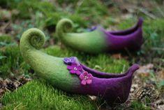 Woodland Shoes, Woodland Fairy, Pixie, Magic Shoes, Fairy Shoes, Christmas Shoes, Green Christmas, Christmas Gifts, Felt Boots