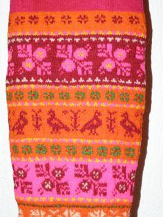 Muhu sukad-sokid / Folk socks and stockings, island Muhu by pitsimeister, via… Crochet Socks, Knitting Socks, Hand Knitting, Knit Crochet, Knitting Stiches, Knitting Charts, Knitting Patterns, Fair Isle Pattern, Knit Patterns