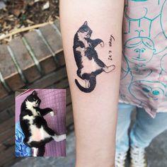 Cat Portrait Tattoos, Boy Tattoos, Mini Tattoos, Animal Tattoos, Body Art Tattoos, Tattoo Drawings, Small Tattoos, Tattos, Get A Tattoo