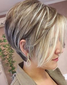 Thick short hair cuts, long pixie bob, short hair cuts for women, short . Pixie Bob Haircut, Short Bob Haircuts, Trendy Haircuts, 2018 Haircuts, Haircut Short, Wavy Hair, New Hair, Thin Hair, Graduated Bob Hairstyles