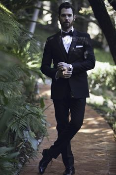 5 ways to keep your groom looking and feeling happy! http://www.stylemepretty.com/2017/03/08/5-ways-to-keep-your-groom-groomsmen-happy-and-looking-their-best/ #sponsored