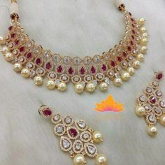 Kundan Sets gives you a wide range of Kundan and Polki jewelry, here you will get stunning designs of Kundan bridal jewelry, Kundan Necklaces , Polki Bridal Jewelry and polki necklaces. Gold Jewelry For Sale, Cheap Jewelry, Fine Jewelry, Jewelry Sets, Indian Wedding Jewelry, Bridal Jewelry, Indian Jewelry, Indian Weddings, Indian Bridal