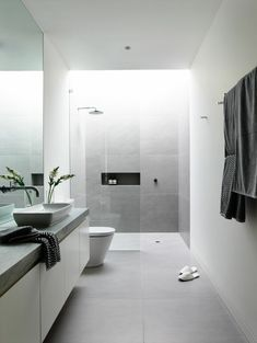 49 Awesome Bathroom Shower Makeover Ideas - Page 12 of 51 Modern Bathroom Decor, Bathroom Layout, Simple Bathroom, Bathroom Interior Design, White Bathroom, Master Bathroom, Bathroom Ideas, Shower Ideas, Bathroom Taps