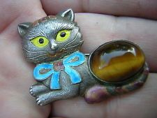 ANTIQUE VINTAGE ENAMELED CHINESE STERLING SILVER CAT PIN BROOCH WITH TIGER EYE