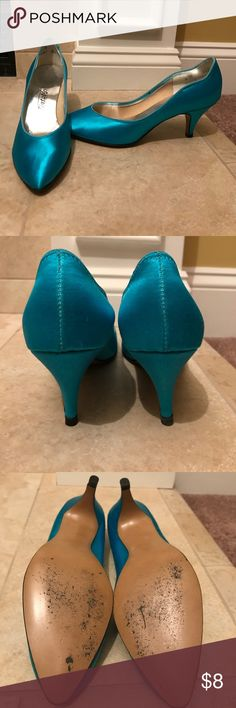 Tintables Vintage Heels Cute vintage shoes worn once. Good condition, minimal signs of wear. Great way to add a cute pop of color to an outfit. Size 6 medium Shoes Heels