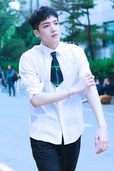 Pentagon Wooseok, Im A Loser, How To Speak Korean, Korea Boy, E Dawn, Gwangju, Jung Woo, Role Models, Boy Groups