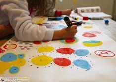 Fresque à plusieurs d'après Hervé Tullet Album Jeunesse, Atelier D Art, Herve, Tot School, Art Graphique, Reggio Emilia, Zine, Activities For Kids, Preschool
