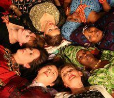 """FESTA DI COMPLEANNO - I TEATRI. Alla Festa del 20 maggio ci sarà anche una piccola anticipazione del Festival Suq con lo spettacolo BUON COMPLEANNO IN 20 LINGUE: voci e suoni con artisti di tutto il mondo dalla romania al Pakistan, da Haiti al Marocco per intonare messaggi di auguri e pace in 20 lingue più una: lo """"zeneixe""""!    fonte: Porto Antico Genova  http://www.facebook.com/pages/Porto-Antico-di-Genova/114326745271580"""