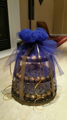 New ideas for wedding gifts box crafts gifts box New ideas for wedding gifts box crafts Wedding Gift Baskets, Wedding Gift Wrapping, Wedding Gift Boxes, Wedding Favors, Wedding Decorations, Wedding Bows, Indian Wedding Gifts, Afghan Wedding, Trousseau Packing