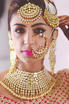 Bridal nose ring also known as nathni or nath is a very important element of a bride's wedding look. We have curated a list of 11 bridal nath designs which are a must see! Indian Wedding Jewelry, Indian Bridal, Indian Jewelry, Bridal Jewelry, Mehndi, Henna, Indiana, Bridal Nose Ring, Nath Nose Ring